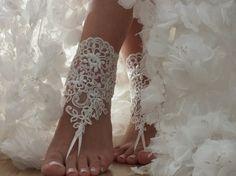pizzo avorio, matrimonio sulla spiaggia, sandali a piedi nudi, scarpe da sposa in pizzo