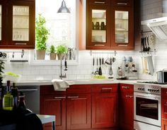 Kitchen Designs For Small Kitchens | Designs for Small Kitchens: Traditional and Classic with Cherry ...