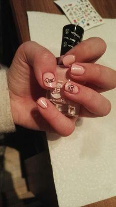 nail sticker von essence