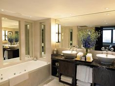 Intercontinental London Park Lane Hotel, London What A Wonderful World, Washroom, Corner Bathtub, Wonders Of The World, Restaurant, London, Mirror, Luxury, Hotels