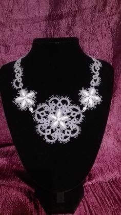Collana, girocollo in Pizzo Chiacchierino grigio perla. Elegante, raffinata, romantica di mimmolaemammola su Etsy