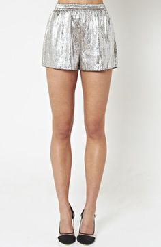 Staple the Label, you've done it again. Silver shorts = perfection!