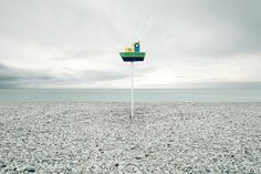AKOS MAJOR We are definitely suckers for great landscape photography. And it takes an amazing eye to produce a prolific body of beautiful photos like the one created by Hungarian artist Akos Major. Minimal Photography, Fine Art Photography, Nature Photography, Moleskine, Blog Design Inspiration, Candy Art, Photographer Portfolio, Freelance Graphic Design, Art Images