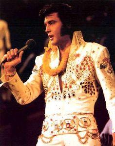 12 Elvis Presley Tributes #tattoos