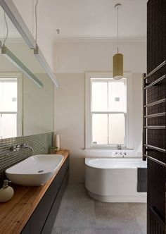 House Reduction Bathroom - Make Architecture Studio