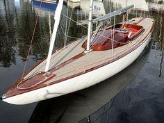 Velero monotipo / velero de quilla deportivo / clásico / con popa abierta DRAGON - HERRITAGE RACER Doomernik Dragons