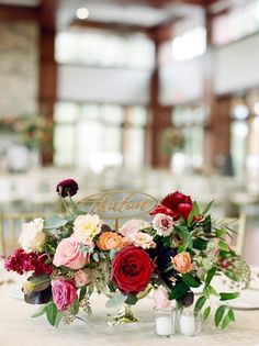 Elegant wedding centerpieces tips - You can decide on a range of fabrics, including silk, solid prints or those made of satin, and you may then select either patterned fabrics or solid-colored fabrics. Gold Wedding Colors, Fall Wedding Flowers, Wedding Color Schemes, Floral Wedding, Wildflower Centerpieces, Fall Wedding Centerpieces, Floral Centerpieces, Fall Wedding Groomsmen, Chic Vintage Brides