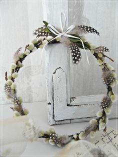 Enchanted Dreams - Lilly is Love Happy Easter, Easter Bunny, Easter Eggs, Xmas Wreaths, Easter Wreaths, Diy Ostern, Easter Holidays, How To Make Wreaths, Diy Wreath