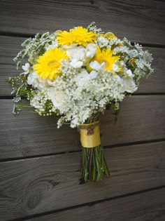 Yellow and White Bouquet - PHOTO SOURCE • KRISTEEN MARIE PHOTOGRAPHY