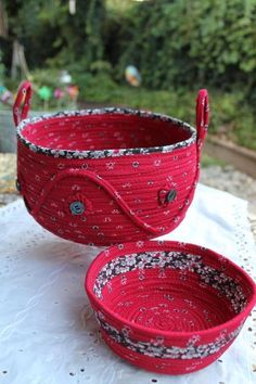 You have to see Upcycled Sewing Challenge on Craftsy! - Looking for sewing project inspiration? Check out Upcycled Sewing Challenge by member Sandy Kramer. Sewing Hacks, Sewing Crafts, Sewing Projects, Sewing Ideas, Rope Basket, Basket Weaving, Fabric Bowls, Clothes Basket, Rope Crafts