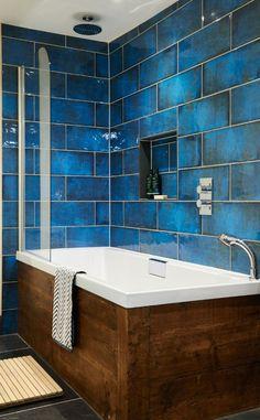 Bathroom Decor blue Bathroom Paint Colors That Always Look Fresh and Clean White Bathroom, Bathroom Wall, Small Bathroom, Bathroom Ideas, Modern Bathroom, Bathroom Cabinets, Colorful Bathroom, Mosaic Bathroom, Bathroom Vanities