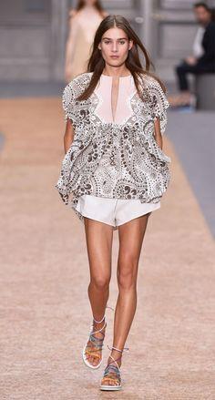 Look from Chloé   Be inspired www.luxxu.net #interiordesign, luxury fashion, #fashiontrends #trendyfashion