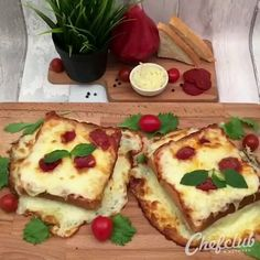 Food Discover fondofrecipes tasty food pizza grilled cheese is part of pizza - pizza Appetizer Recipes Snack Recipes Cooking Recipes Pizza Recipes Cooking Videos Tasty Tasty Videos Cooking Food Food Hacks Food Dishes Appetizer Recipes, Snack Recipes, Cooking Recipes, Pizza Recipes, Cooking Food, Cooking Beef, Food Videos, Tasty Videos, Cooking Videos Tasty