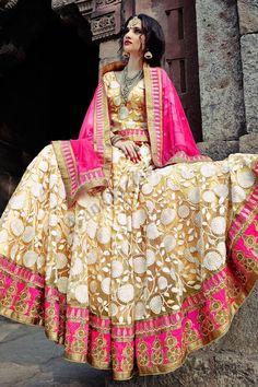 Yellow Net Lehenga Choli Avec Rose Dupatta Net Conception no- DMV7275 Prix- 225,81 € Type de robe: Lehenga Tissu: Net Couleur: Jaune Décoration: brodé, Resham, pierre, Zari Pour plus de détails: http://www.andaazfashion.fr/womens/lehenga-choli/occasion/bridal-wear-lehenga-choli/yellow-net-lehenga-choli-with-pink-net-dupatta-dmv7275.html