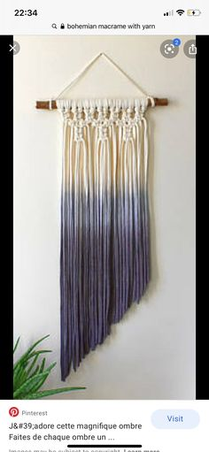 Modern Macrame, Macrame Art, Macrame Projects, Macrame Knots, Yarn Crafts, Diy And Crafts, Tshirt Garn, Yarn Wall Hanging, Wall Hangings