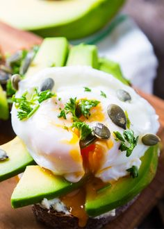 Fry an egg with our extra virgin olive oil, place it on top of an avocado toast and start your day in the best of ways! The Chew, Egg Dish, Salsa Verde, Poached Eggs, Avocado Toast, Mexican Food Recipes, Olive Oil, Fries, Breakfast Recipes