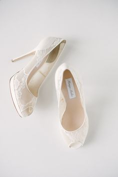 white lace #wedding shoes