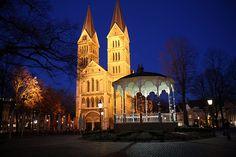 Munsterplein, Roermond, Holland