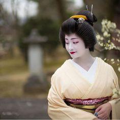 Geiko(Geisya), Satsuki. Kyoto. Japan.