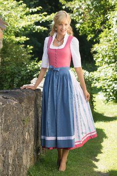 Dirndlrevue 2017 - Modell 9 - Stodlberg---I'd love to wear this for Easter German Hairstyle, Folk Fashion, Womens Fashion, Dirndl Dress, Fashion Terms, Barefoot Girls, German Women, Medieval Dress, Models