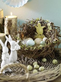 Easter arrangement I wicker tray with bunnies, nest and eggs