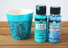 Glitter your hearts out with these easy to make DIY Glitter Flower Pots! Painted Plant Pots, Painted Flower Pots, Glitter Flowers, Diy Flowers, Potted Flowers, Clay Pot Crafts, Diy Clay, Vases, Easy Crafts To Sell