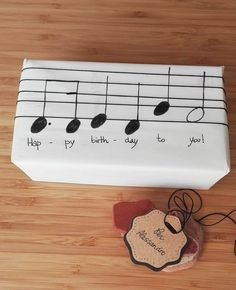 Musical gift packaging – packaging … - Birthday Presents Happy Birthday Gifts, Birthday Presents, Birthday Cards, Birthday Greetings, Birthday Ideas, Birthday Present Diy, Birthday Celebration, Creative Birthday Gifts, Happy Birthdays