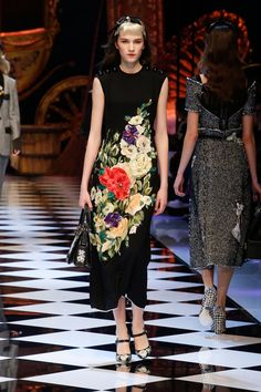 Discover Videos and Pictures of Dolce & Gabbana Fall Winter 2016-17 Womenswear Fashion Show on Dolcegabbana.com.