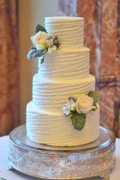 simple romantic white bridal cakes 3