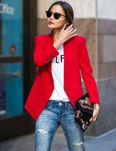 como-usar-abrigo-rojo