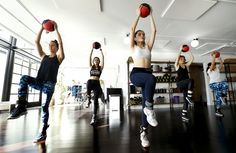 Try the 'Supermodel Workout' — the exercise routine praised by Karlie Kloss and Chrissy ...