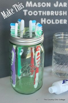 Mason Jar Toothbrush Holder -- make this in just 5 minutes with a few supplies! What else can I possibly make with a mason jar? A mason jar toothbrush holder Pot Mason Diy, Mason Jars, Canning Jars, Mason Jar Crafts, Bad Hacks, Life Hacks, Pots, Country Chic Cottage, Diy Bathroom Decor