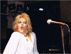 tumblr_o36yc1XiTp1uwg2wxo1_1280.jpg (868×672)* Michael Monroe Onstage 1983*