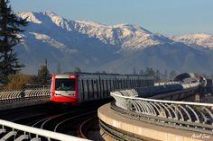 Metro de Santiago, Chile | Photo by Ariel Cruz Pizarro on Flickr