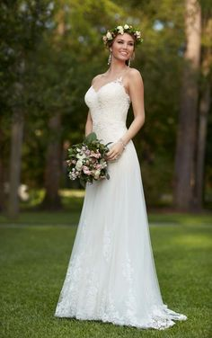 Bridal Gown Available at Ella Park Bridal | Newburgh, IN | 812.853.1800 | Stella York - Style 6194
