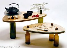 User-Designed Table Using Recycled Wine Bottles - Urban Gardens Empty Wine Bottles, Recycled Wine Bottles, Wine Bottle Crafts, Bottle Art, Glass Bottles, Beer Bottle, Recycled Furniture, Diy Furniture, Wine Table