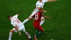 Євро-2016: Португалія у чвертьфіналі перемогла по пенальті Польщу.  Футболісти національної збірної Португалії першими вийшли до ½ фіналу чемпіонату Європи з футболу, що триває у Франції. #WZ #Львів #Lviv #Новини #Спорт  #Євро_2016 #Португалія__Польща