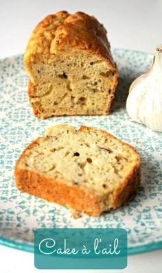 Une recette facile à faire et originale pour l'apéro, un cake à l'ail bien typé mais avec un goût de reviens-y, soyez curieux et tentez-le!
