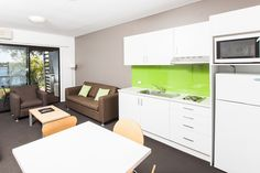 Majestic Oasis Apartments. Port Augusta, South Australia. Waterview One Bedroom Apartment.