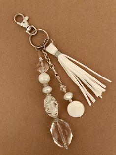 Items similar to Keychain, beaded keychain, zipper pull, bag accessory on Etsy Diy Keychain, Tassel Keychain, Beaded Jewelry, Handmade Jewelry, How To Make Beads, Handbag Accessories, Boho Accessories, Jewelry Crafts, Jewelery