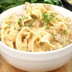 Creamy chicken stroganoff is made with simple ingredients and perfect for a cold winter day. Pasta Recipes, New Recipes, Crockpot Recipes, Chicken Recipes, Dinner Recipes, Cooking Recipes, Healthy Recipes, Kraft Recipes, Casserole Recipes