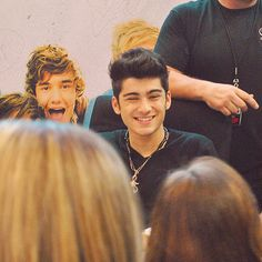 Zayn <3 (I thought that was Liam in the background... but it was just his picture :P )