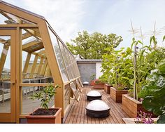 Lake View Modern - Thomas Shafer Architects  #flowerbox #greenhouse #planters #rooftop #roofgarden #vegetablegarden #skylights