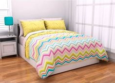 5pc Adorable Girl Yellow Pink Aqua Green Reversible Chevron Twin Comforter Set (5pc Bed in a Bag) For Gab's room. Perfect.