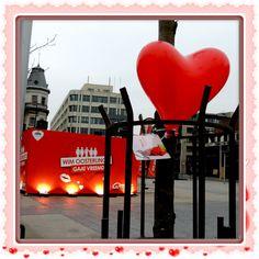 Ook de Groenplaats in Antwerpen Centrum werd versierd met Hartjesballonnen..