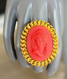 VINTAGE WILLIAM DE LILLO SIGNED MASSIVE RESIN CAMEO GOLD COUTURE COCKTAIL RING #WILLIAMDELILLO
