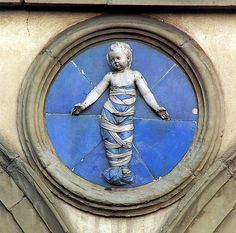 andrea della robbia, roundel from facade of foundling hospital, florence, 1487 (photo: renzodionigi)
