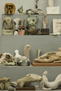 "Henry Moore (British, 1898 - 1986)""Bourne maquette studio""stellage in the studio"