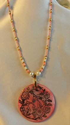 PEACHY KEEN Polished Shell Pendant Necklace by BeadOriginalsbyJudi