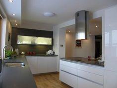 Mereway Cucina Colore Kitchen with Zodiaq Gravel Grey Worktops and Siemens Appliances